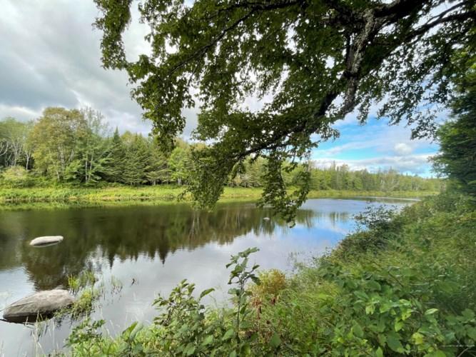 M19L46J West Branch Mattawamkeag River, Island Falls, ME 04747