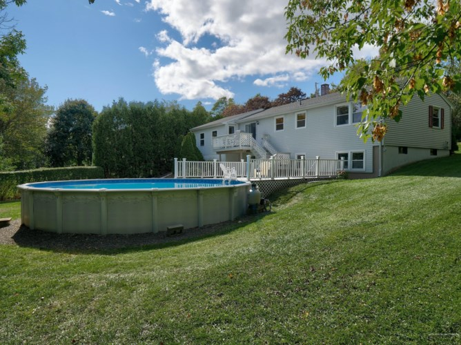 12 Olympic Avenue, Rockland, ME 04841