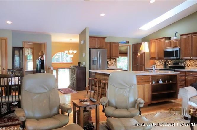 124 Pine Point Road, Oxford, ME 04270