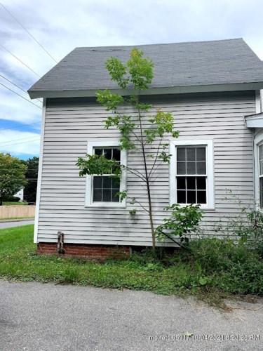 36 Oak Street, Gardiner, ME 04345