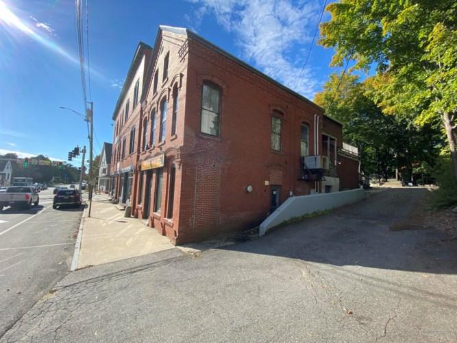 14 School Street, Gorham, ME 04038