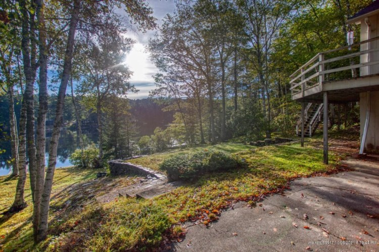 208 Lakeside Drive, Boothbay Harbor, ME 04538