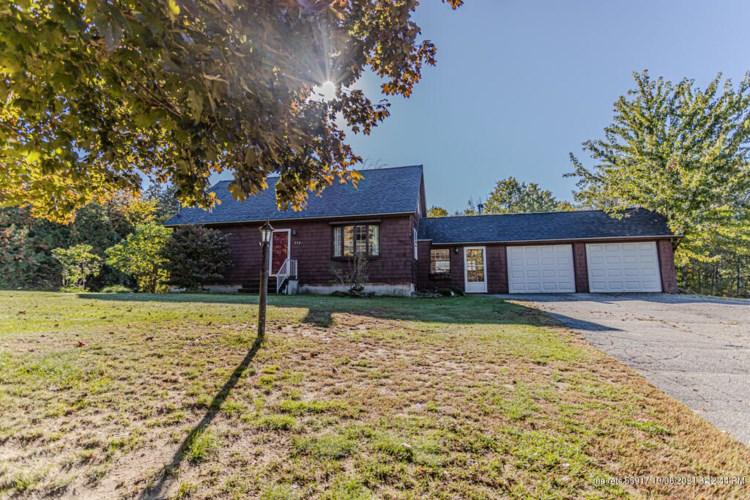 132 Adams Circle, Farmington, ME 04938