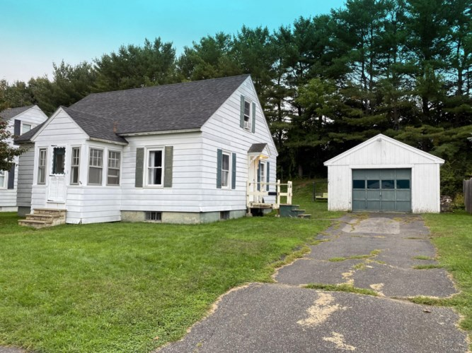 9 Collette Street, Waterville, ME 04901