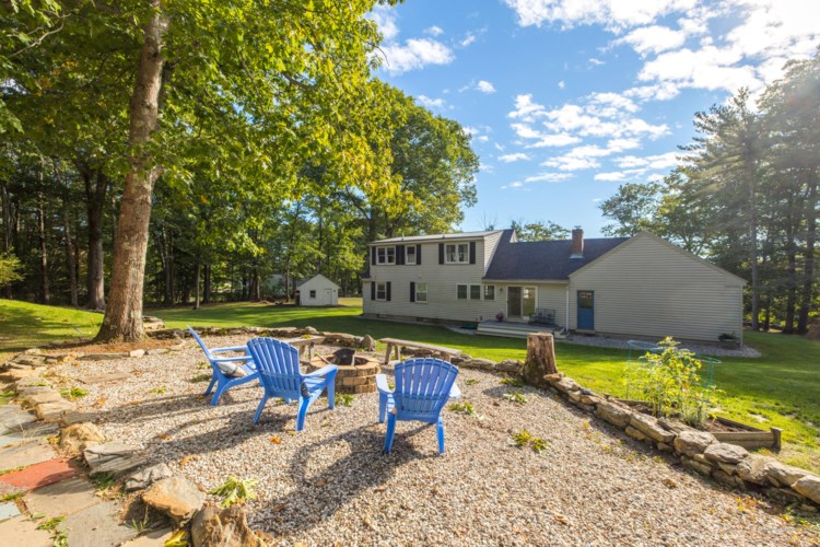 70 Middle Road, Cumberland, ME 04021