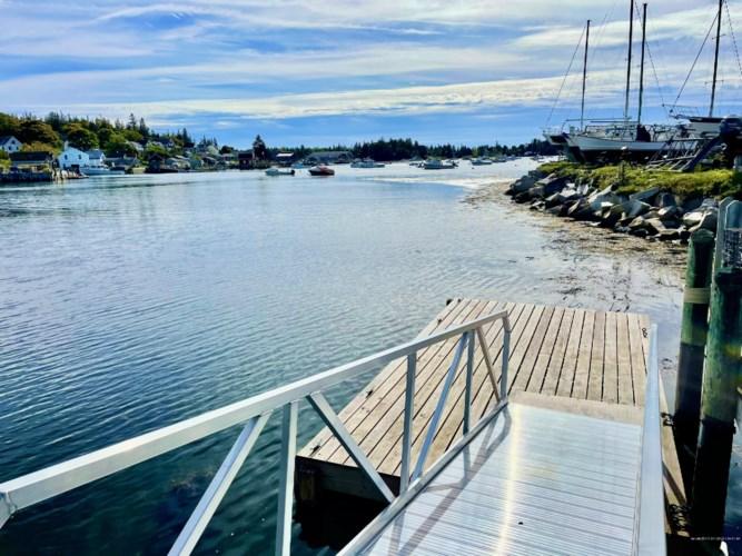 55 Main Street, Vinalhaven, ME 04863