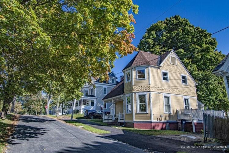 19 Grant Street, Bangor, ME 04401