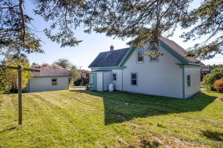 87 Little Deer Isle Road, Deer Isle, ME 04627
