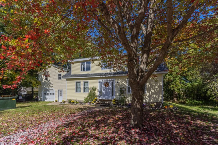 97 New County Road, Rockland, ME 04841
