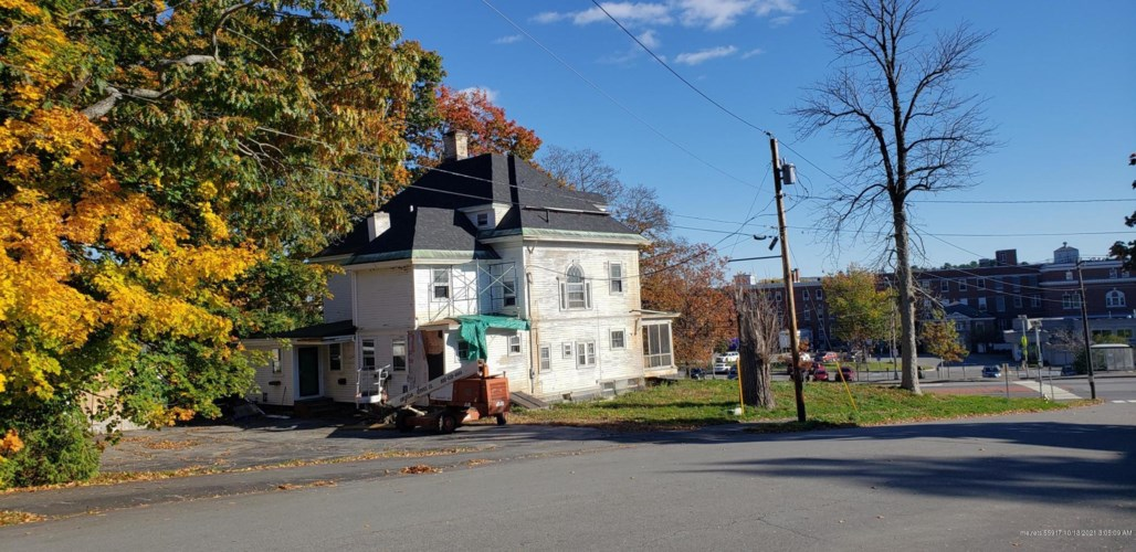 478 State Street, Bangor, ME 04401