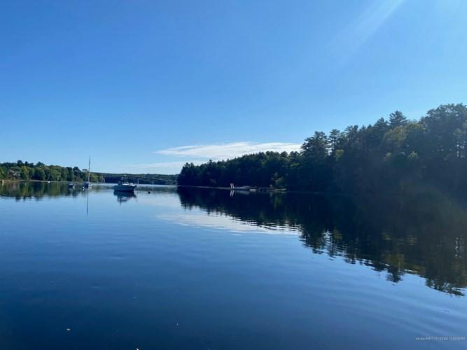 8 Swan Island Landing, Richmond, ME 04357