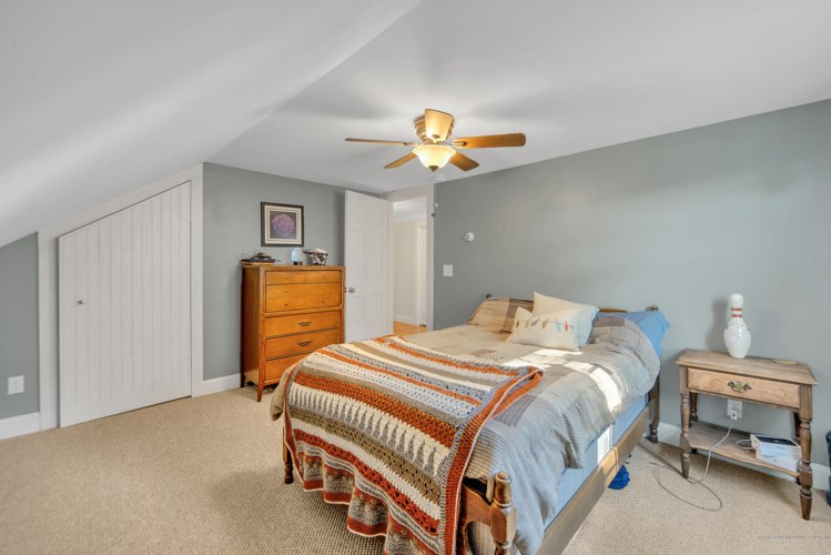 2791 Middle Road, Sidney, ME 04330