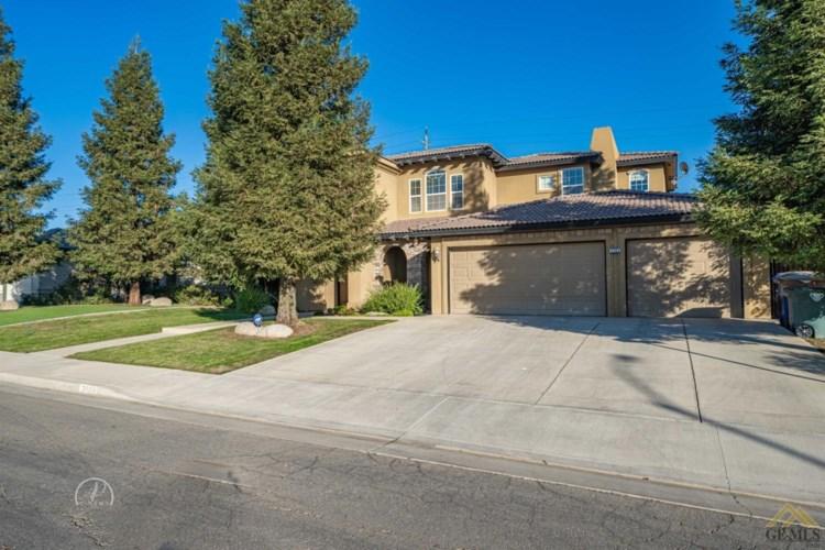 3703 McKenna Street, Bakersfield, CA 93306