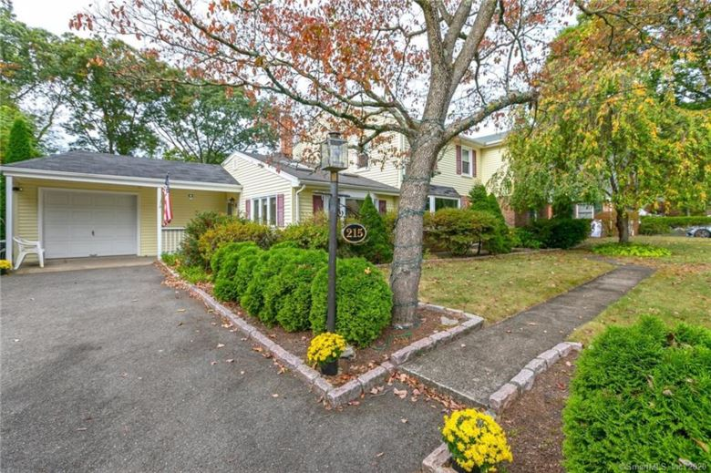 215 Knollwood Drive, Stratford, CT 06614