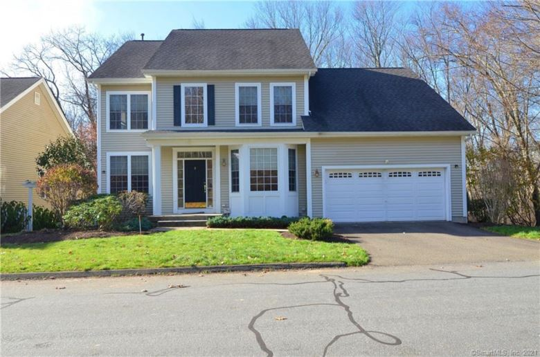 8 Traditions Boulevard, Southbury, CT 06488