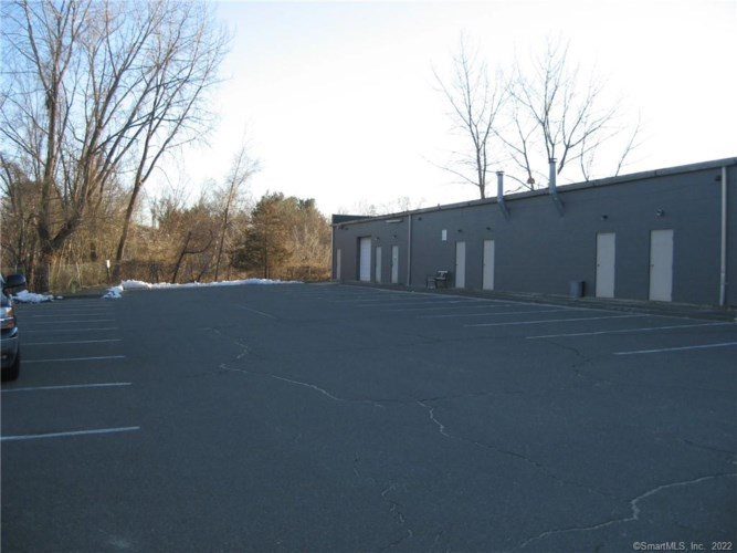 1173 Queen Street #1, Southington, CT 06489