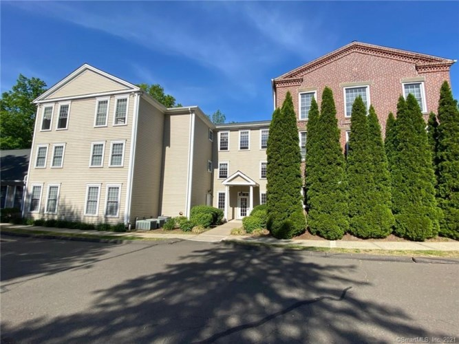 534 Old Clintonville Road #1C, North Haven, CT 06473