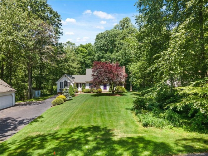 137 Airline Road, Clinton, CT 06413