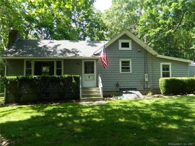 35 Sperry Drive, Guilford, CT 06437