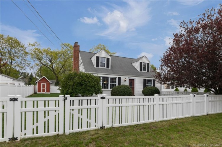 6 Foote Road, East Haven, CT 06512