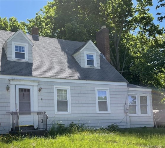 8 Wild Rose Place, Waterford, CT 06385