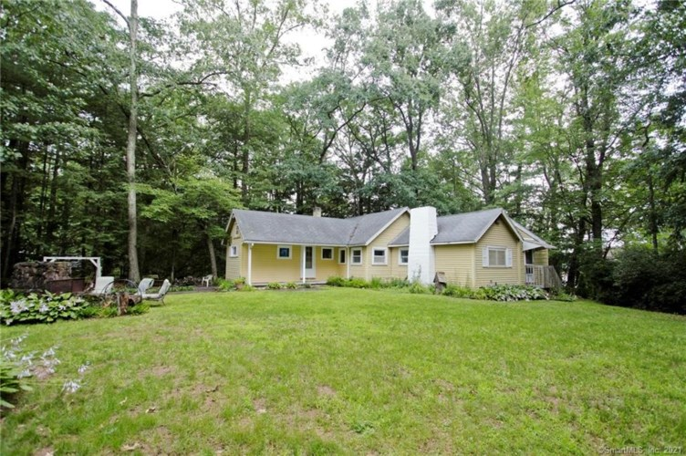 550 Griffin Road, Suffield, CT 06093