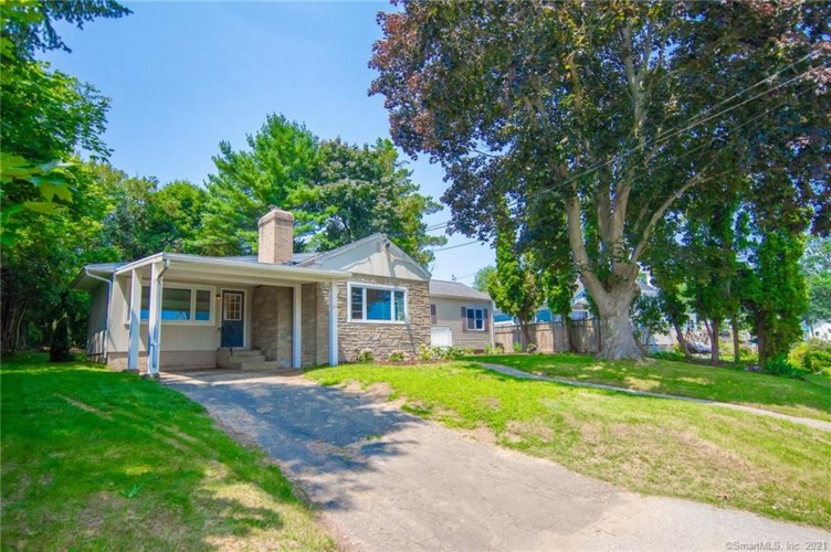 47 Shore Drive, Waterford, CT 06385