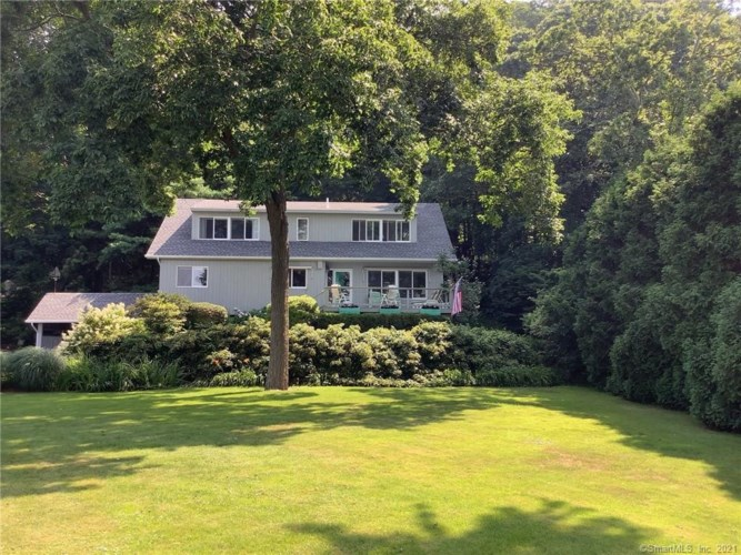 159 Niantic River Road, Waterford, CT 06385