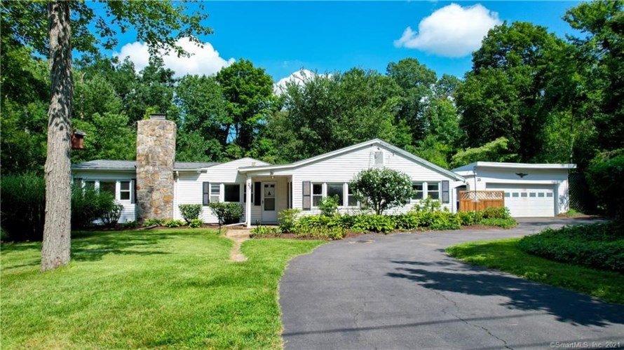 25 Old Turnpike Road, Brookfield, CT 06804