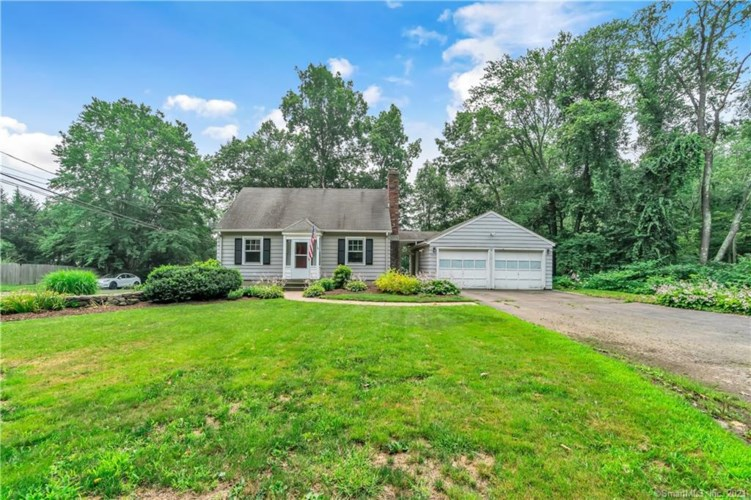 569 Whittemore Road, Middlebury, CT 06762