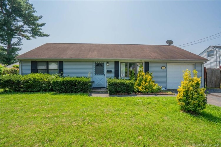 15 Middle Drive, East Hartford, CT 06118