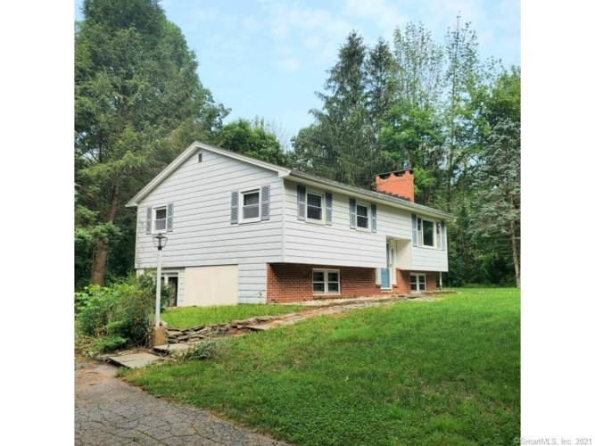 186 New London Road, Colchester, CT 06415
