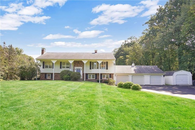 27 Pinedale Road, Somers, CT 06071
