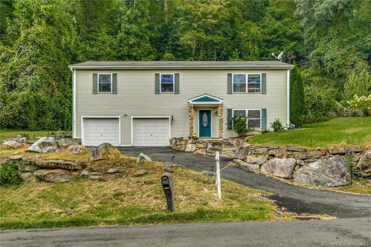 108 Perry Drive, New Milford, CT 06776