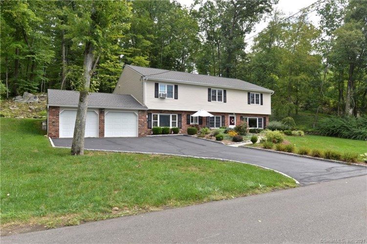 5 Bayberry Drive, Brookfield, CT 06804