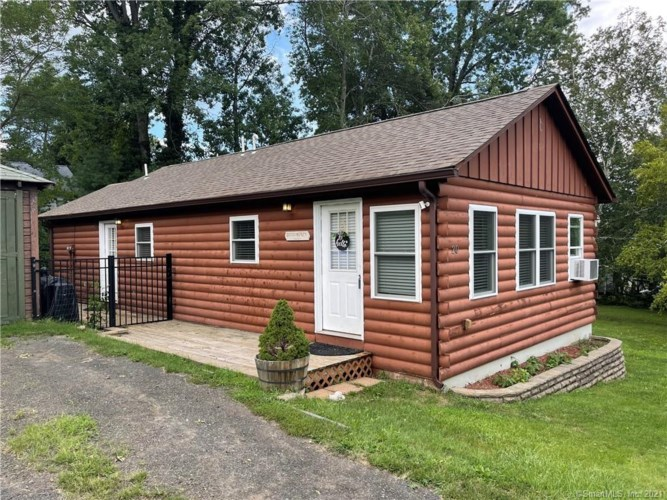20 Mohican Road, Middlefield, CT 06455