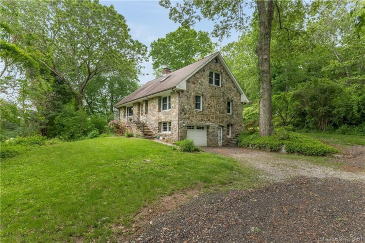 149 Ingham Hill Road, Old Saybrook, CT 06475