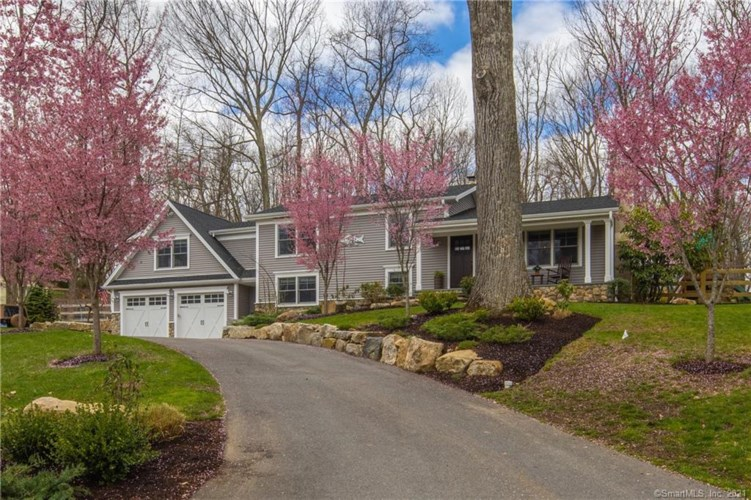 2 Valley View Road, Brookfield, CT 06804