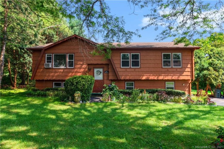 67 Old Country Lane, Milford, CT 06461