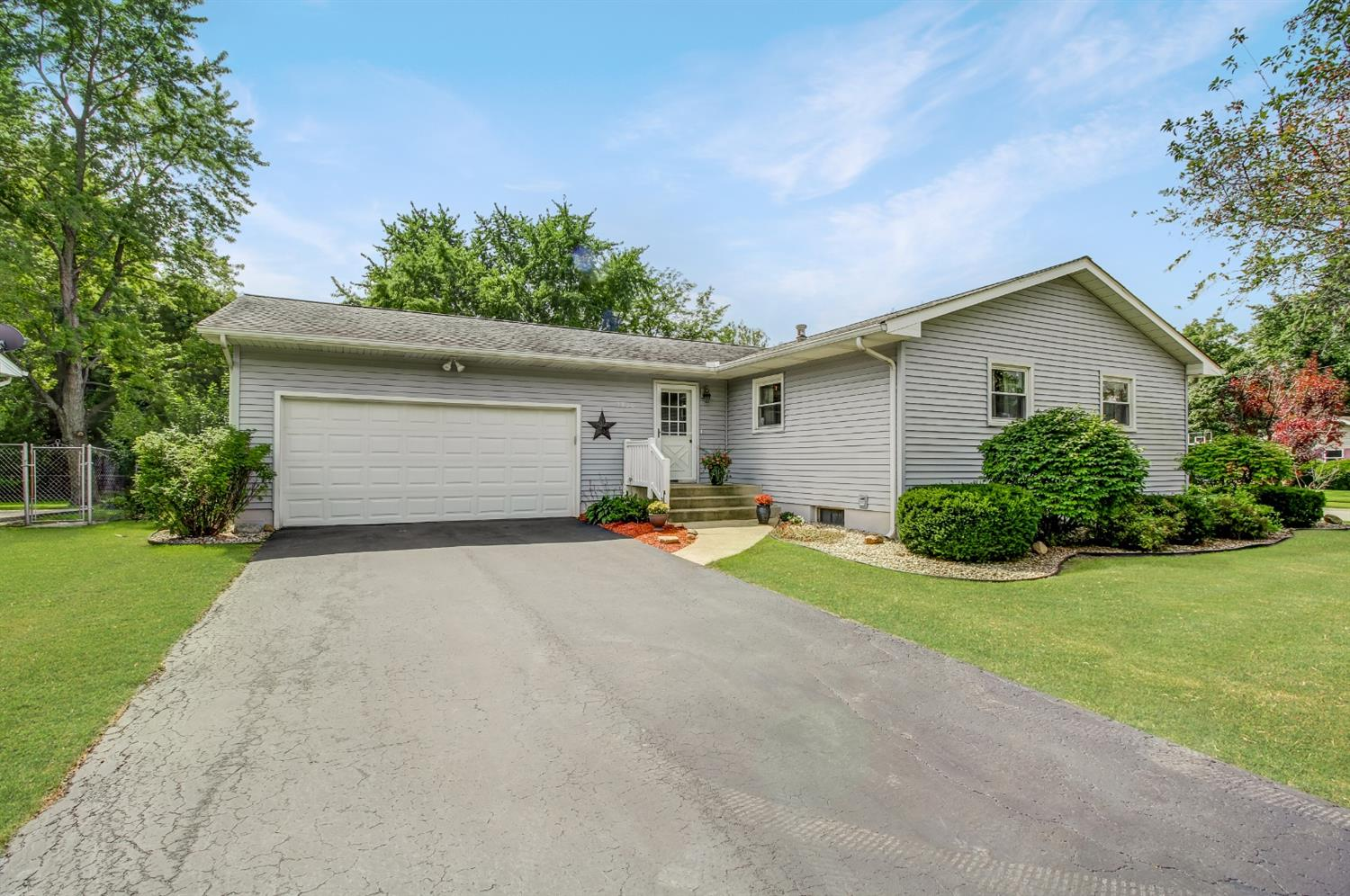 1310 Driftwood Drive , Lowell, IN 46356