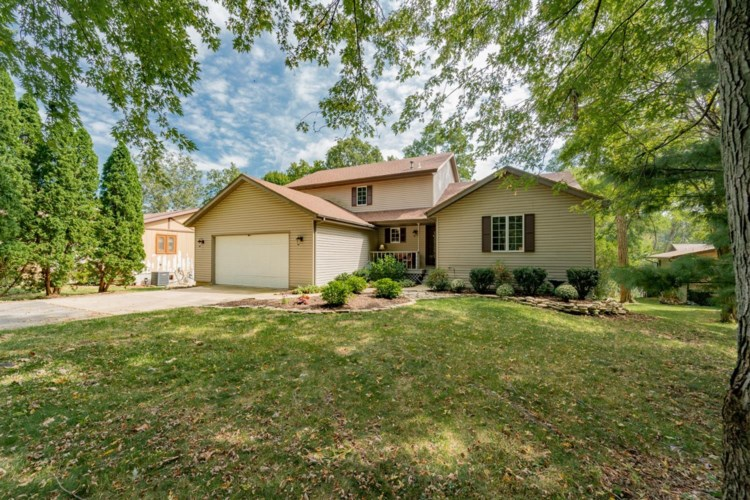 1621 Sunnyslope Drive, Crown Point, IN 46307