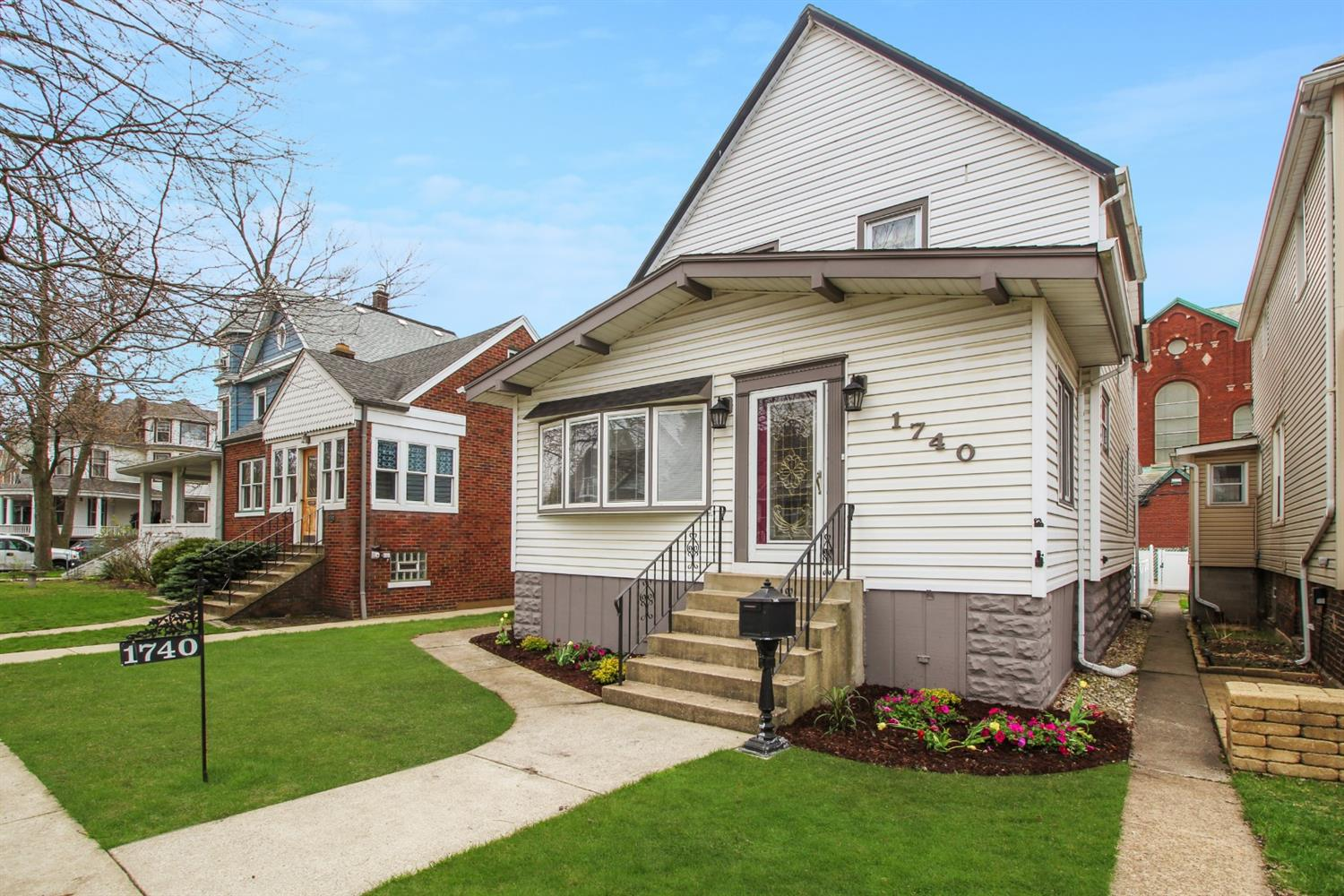 1740 Sheridan Avenue , Whiting, IN 46394