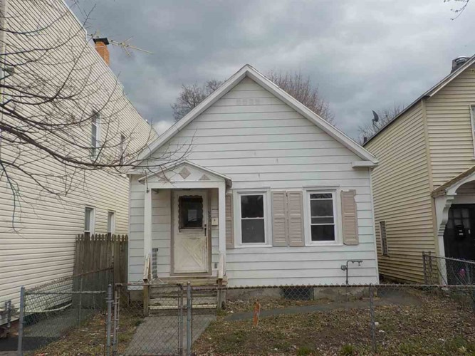 390 4TH AV, Troy, NY 12182