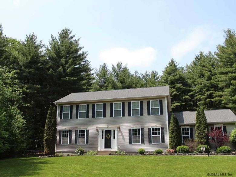 19 TROUT POND RD, Corinth, NY 12859