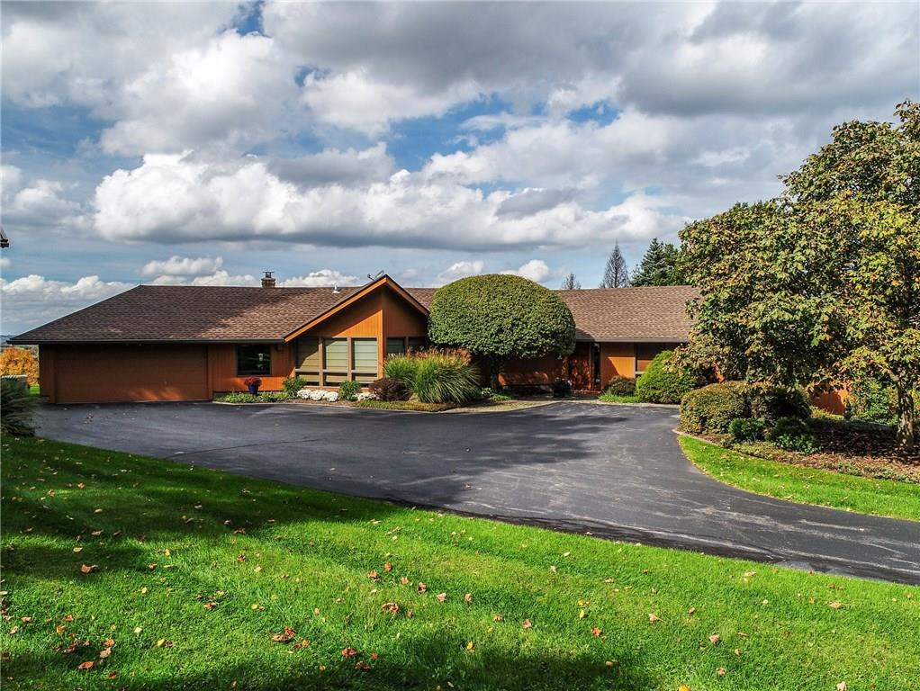 1025 Strong Road , Victor, NY 14564