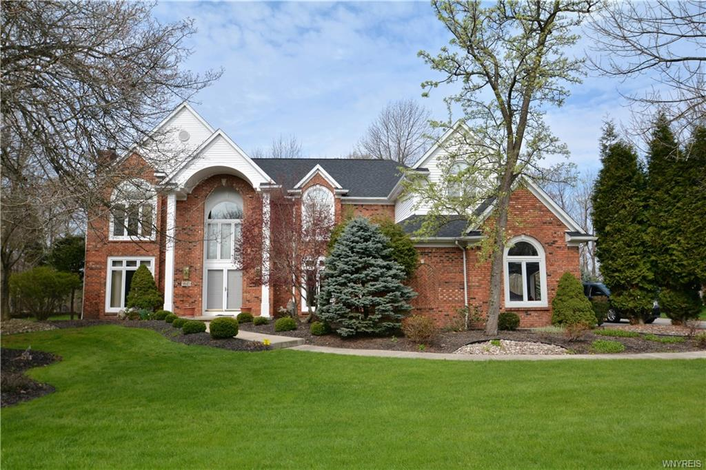 9645 The Maples , Clarence, NY 14031