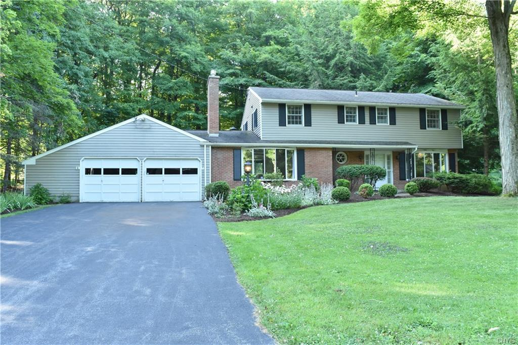 103 Wooded Heights Drive , Camillus, NY 13031