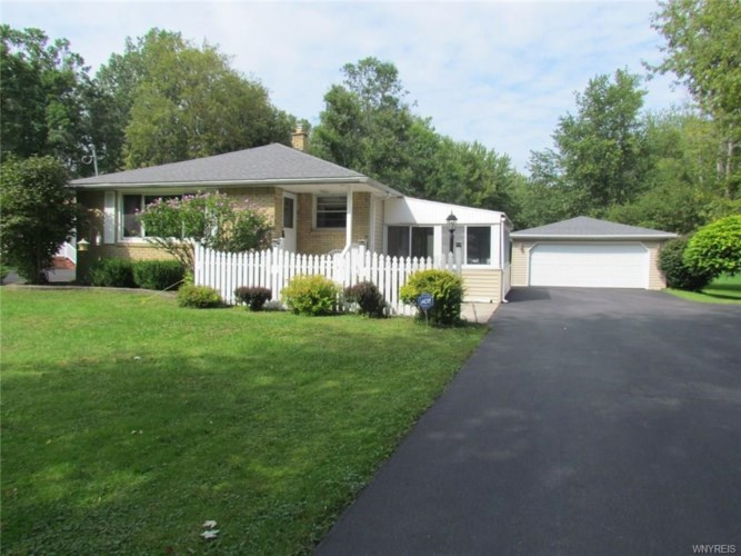 1040 N French Road, Amherst, NY 14228