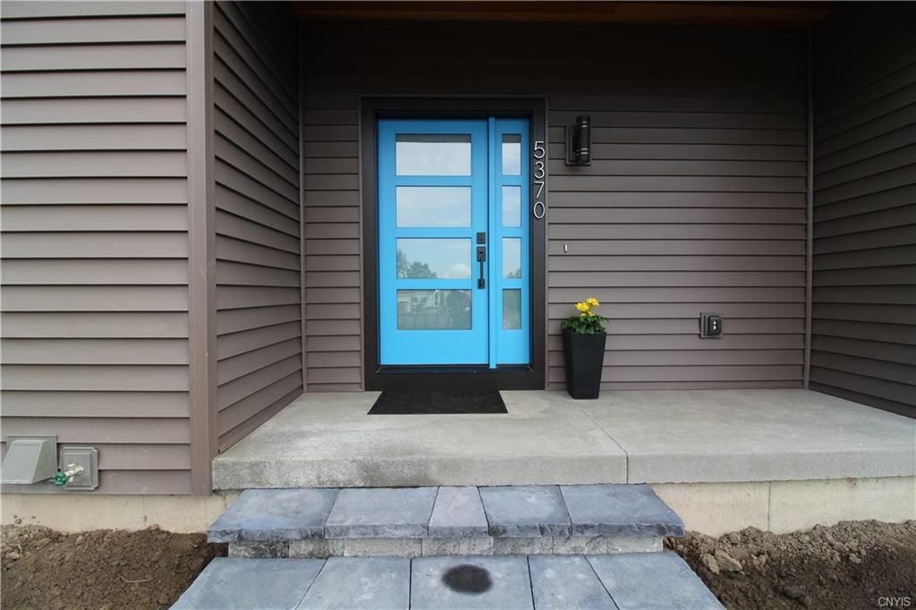 7091 Lakeshore Road , Cicero, NY 13090