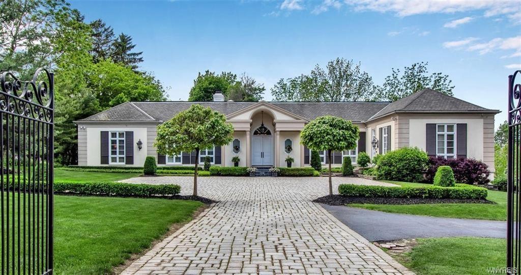 115 Village Pointe Lane , Amherst, NY 14221